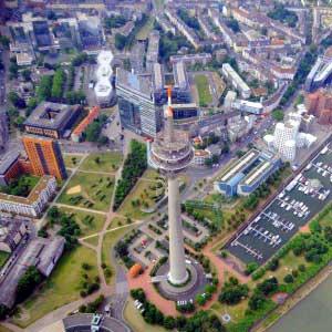 Hubschrauber Rundflug Düsseldorf Rheinturm